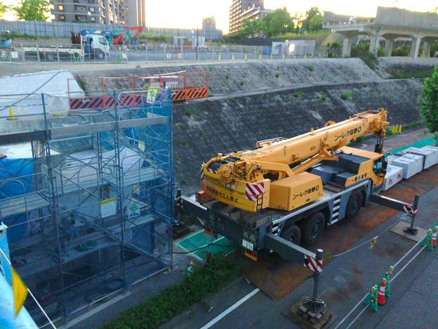 桃花台線の旧車両基地進入高架撤去工事(2018年6月13日):片方の橋脚の解体開始 - 4