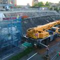 写真: 桃花台線の旧車両基地進入高架撤去工事(2018年6月13日):片方の橋脚の解体開始 - 4