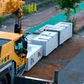 写真: 桃花台線の旧車両基地進入高架撤去工事(2018年6月13日):片方の橋脚の解体開始 - 6