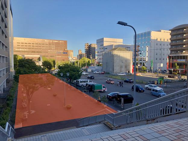 写真: 小牧駅前A街区:便利な市営駐車場潰して図書館作るより、今ある駐車場拡張した方が市街地活性に合理的!!