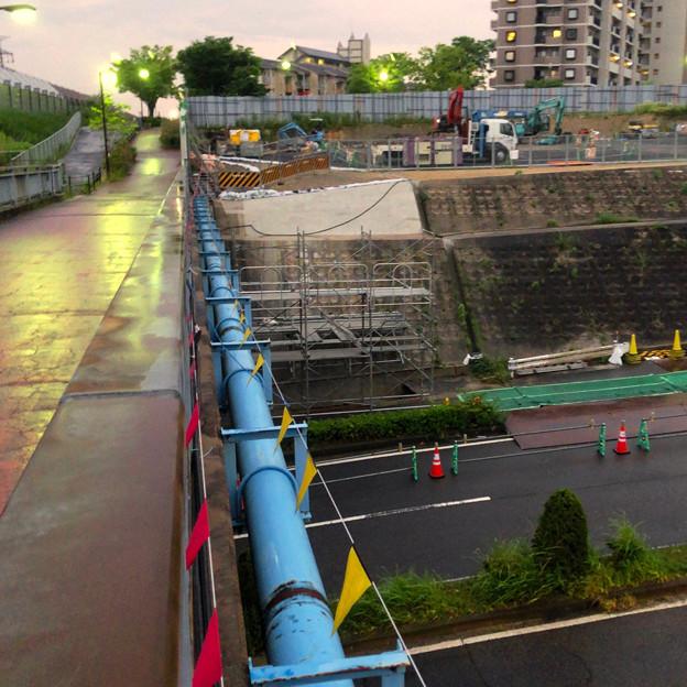 桃花台線の旧車両基地進入高架撤去工事(2018年6月15日):片側の橋脚が全て解体撤去 - 1
