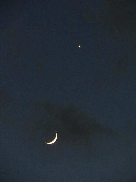 日没直後に輝く三日月と金星 - 3
