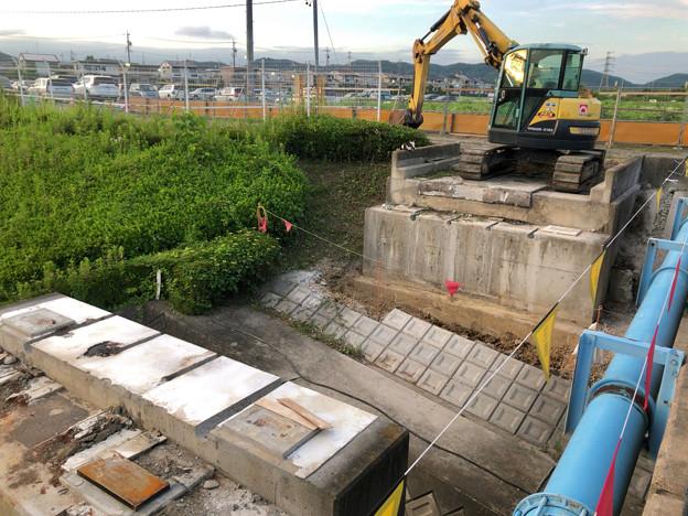 桃花台線の旧車両基地進入高架撤去工事(2018年6月18日):反対側の撤去も開始 - 4