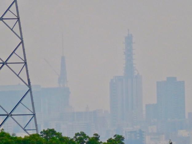 桃花台から見た名古屋テレビ塔とNTTドコモ名古屋ビル - 4
