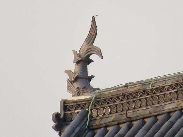 犬山城天守閣前の門の屋根のシャチホコ - 1