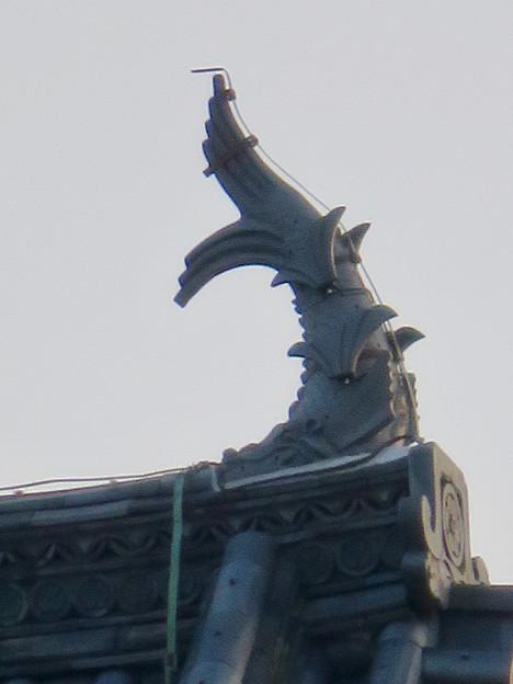 様々な角度から見た犬山城に新たに設置されたシャチホコ - 8