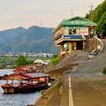 Photos: 木曽川沿いから見た鵜飼い No - 1
