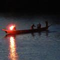写真: 木曽川沿いから見た鵜飼い No - 32