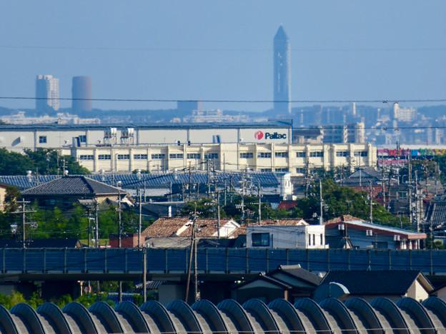 フレッシュパーク展望台から見た東山スカイタワー - 1