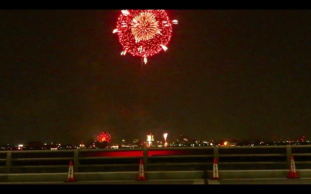 潮見埠頭に架かる橋の上から見た名古屋みなと祭の花火 - 47