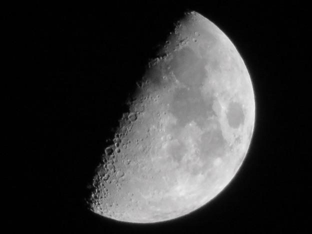 SX730HSで撮影した半月(2018年7月20日) - 4