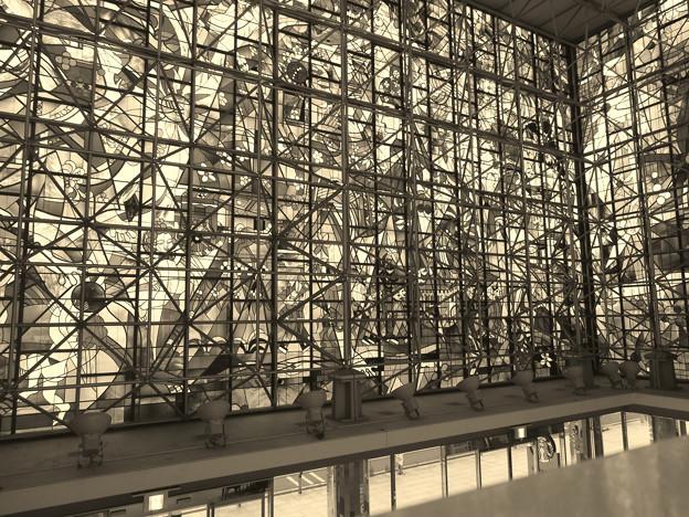 SX730HS:クリエイティブショットで撮影した写真 - 12(ザ・モール春日井のステンドグラス その2)