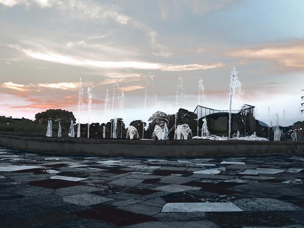 SX730HS:クリエイティブショットで撮影した写真 - 15(落合公園の噴水 その1)