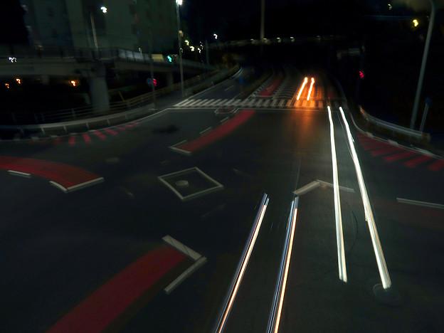 SX730HS:花火モードで撮影した車のライトの軌跡 - 10