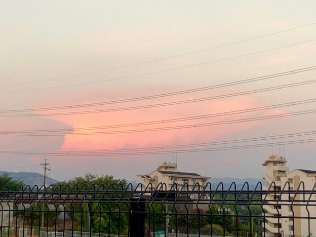 世界の終わりを感じた大きなキノコ雲 - 2