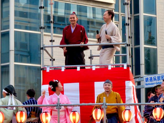 SAKAE納涼盆踊り大会 2018 No - 20:舞台の上にいた名古屋おもてなし武将隊の人たち他