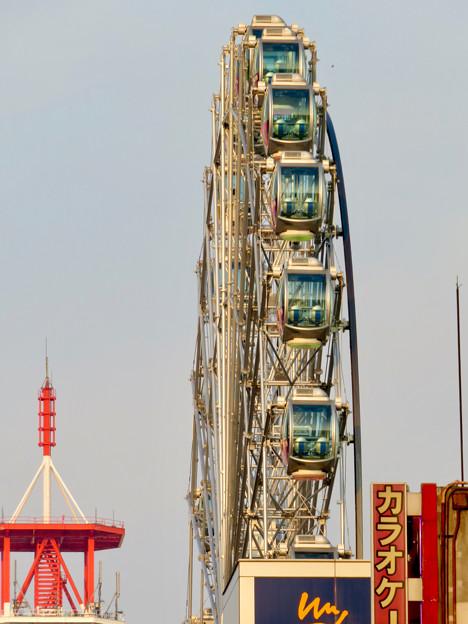 歩行者天国となっていた錦通から見たサンシャインサカエの観覧車「スカイボート」 - 1