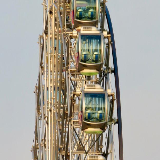 歩行者天国となっていた錦通から見たサンシャインサカエの観覧車「スカイボート」 - 2