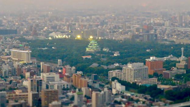 SX730HS ミニチュアライズ:スカイプロムナードから見た夜景 - 1(名古屋城)