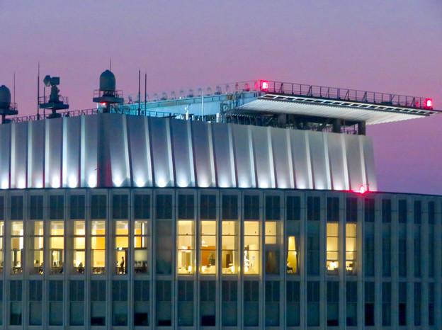ミッドランドスクエア「スカイプロムナード」から見たセントラルタワーズ頭頂部 - 3
