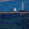 写真: 落合公園 水の塔から見た景色 - 27:頭頂部だけ見えた謎の建物