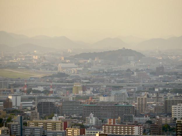 東山スカイタワーから見た景色:小牧山