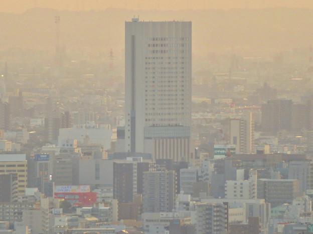 東山スカイタワーから見た景色:グランド金山ビル