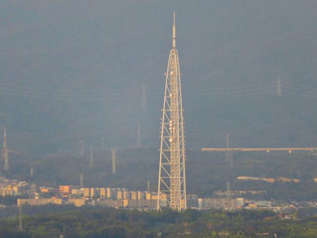 東山スカイタワーから見た景色:瀬戸デジタルタワー - 2