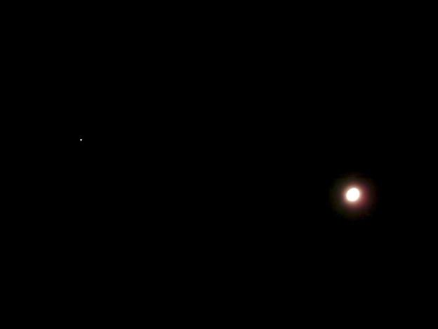 月と並んで輝く火星(2018年8月23日未明) - 1