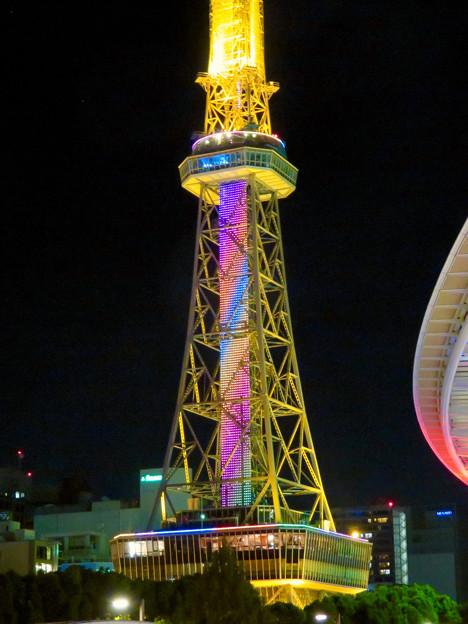 七色に輝く名古屋テレビ塔のイルミネーション - 4