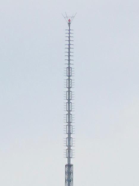 大須商店街アーケード内から見えた名古屋テレビ塔 - 6:頭頂部