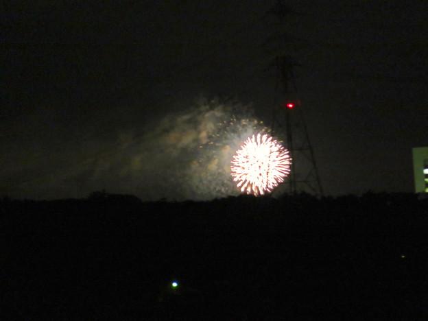 桃花台ニュータウン内から見えた「せともの祭」の花火 - 2