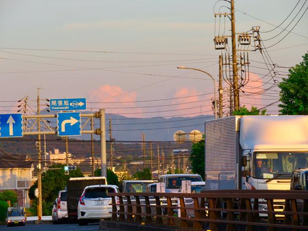 残暑で再び雲も夏っぽかった今日の夕方見えた雲 - 1