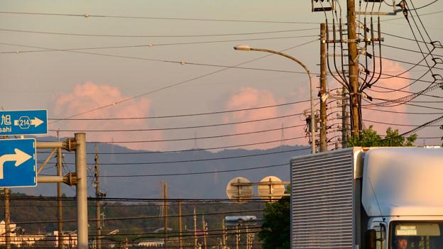 残暑で再び雲も夏っぽかった今日の夕方見えた雲 - 3