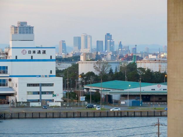 金城ふ頭駐車場から見た景色 - 2:名駅ビル群とグローバルゲート