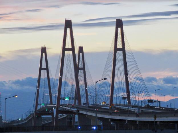 金城ふ頭駐車場から見た景色 - 13:名港西大橋