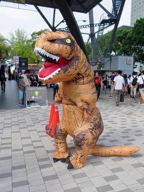 ニコニコ町会議 2018 No - 8:恐竜のきぐるみ