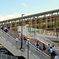 写真: メイカーズ・ピア 2018年9月 No - 2:夕暮れ時、帰宅する人たち