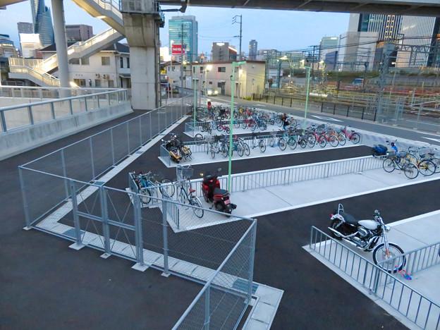 椿町線の「ささしまライブ24」北側の出入口周辺 - 2:駐輪場