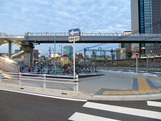 椿町線の「ささしまライブ24」北側の出入口周辺 - 3:駐輪場