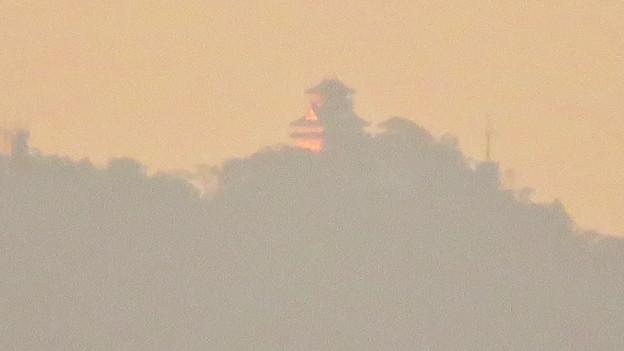 県営岩崎住宅から見た夕暮れ時の岐阜城・金華山 - 10