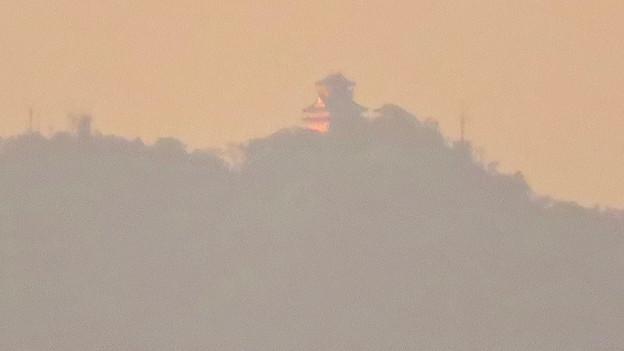県営岩崎住宅から見た夕暮れ時の岐阜城・金華山 - 11