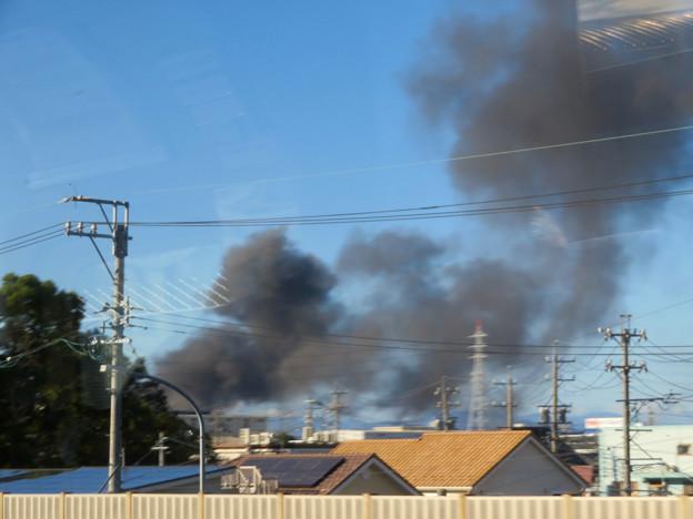 東名高速走行中の高速バスから撮影した国盛化学の火事 - 33