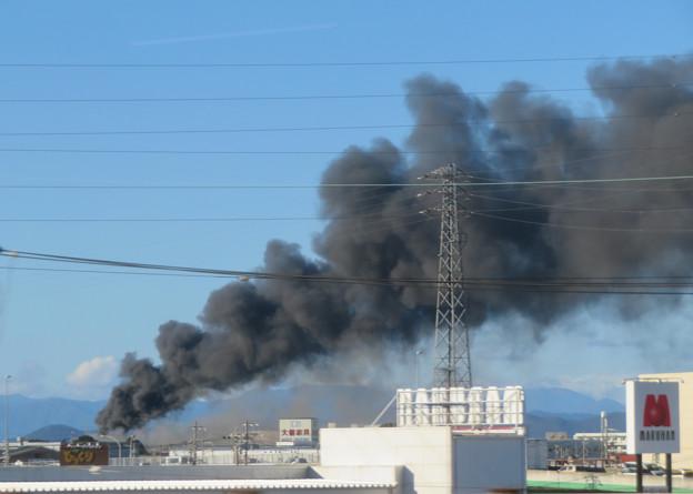 東名高速走行中の高速バスから撮影した国盛化学の火事 - 38
