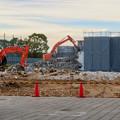 写真: 解体工事中の朝宮公園のプール - 2