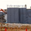 写真: 解体工事中の朝宮公園のプール - 3
