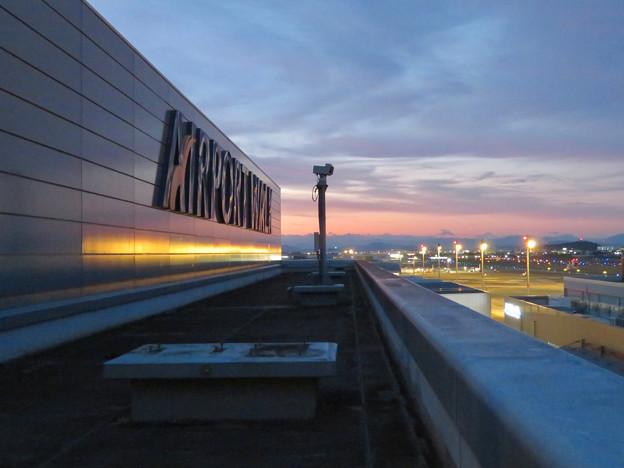 エアポートウォーク名古屋 No - 14:夕暮れ時のスカイデッキから見た景色