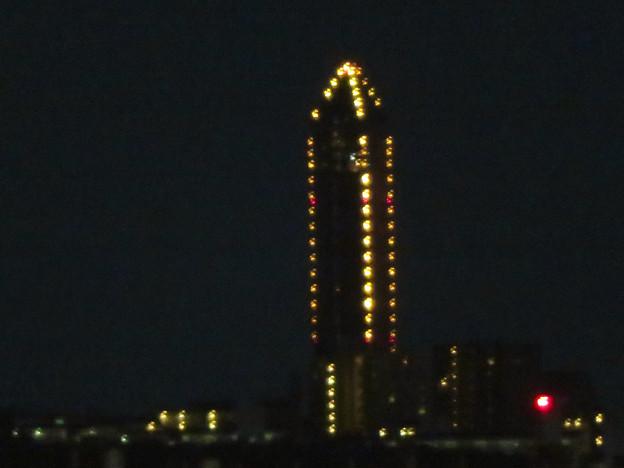 エアポートウォーク名古屋 No - 16:スカイデッキから見た夜の東山スカイタワーのイルミネーション