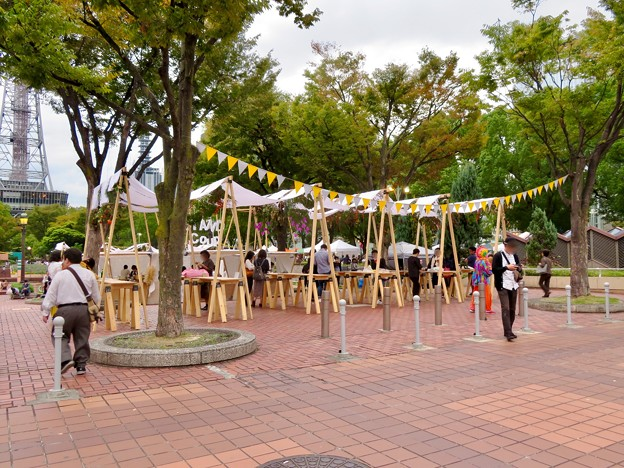 Social Tower Market 2018 No - 2