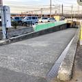 JR中央線下を通る狭い車道 - 1